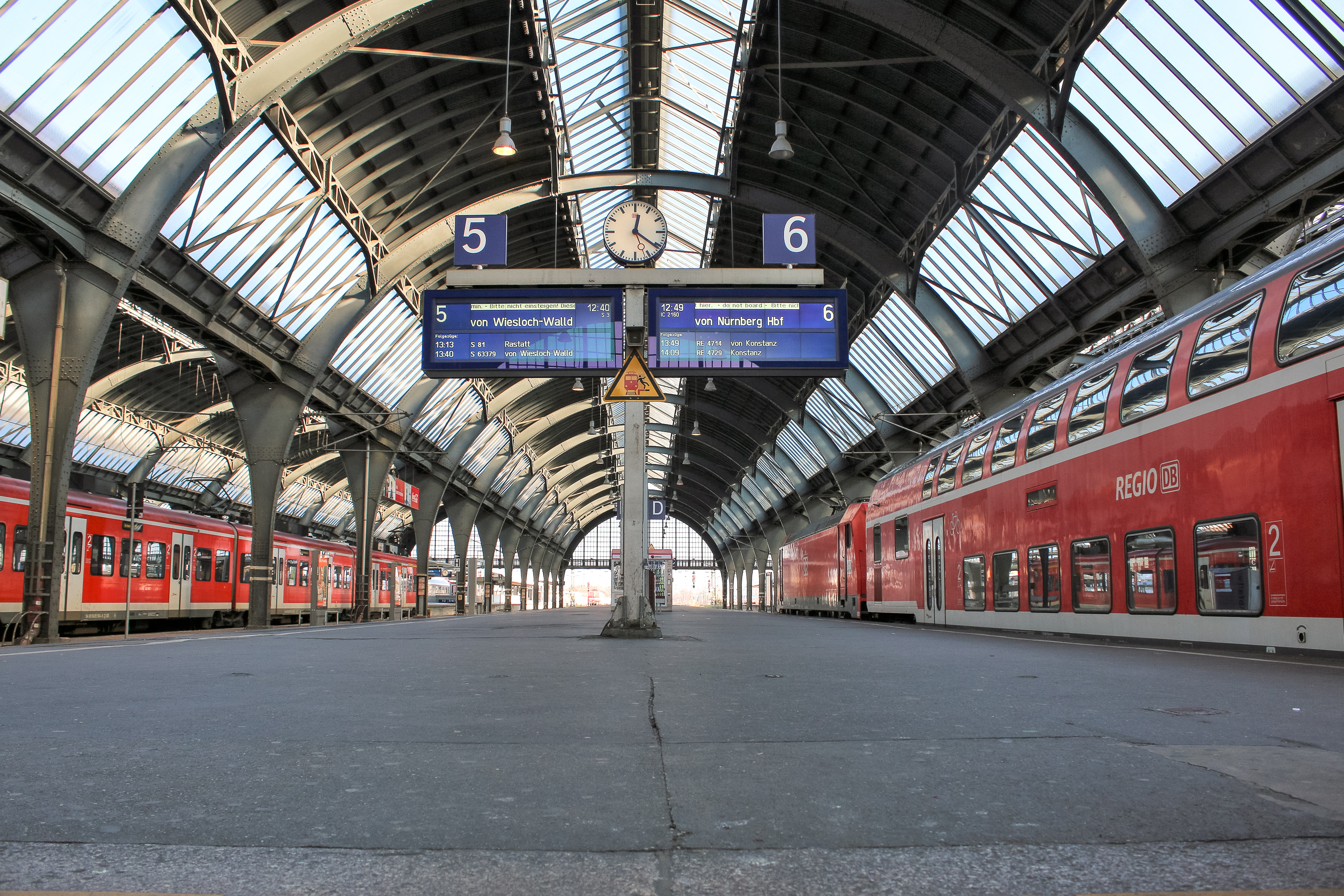Hauptbahnhof Karlsruhe Zuge Bahnen Reisende Meinka