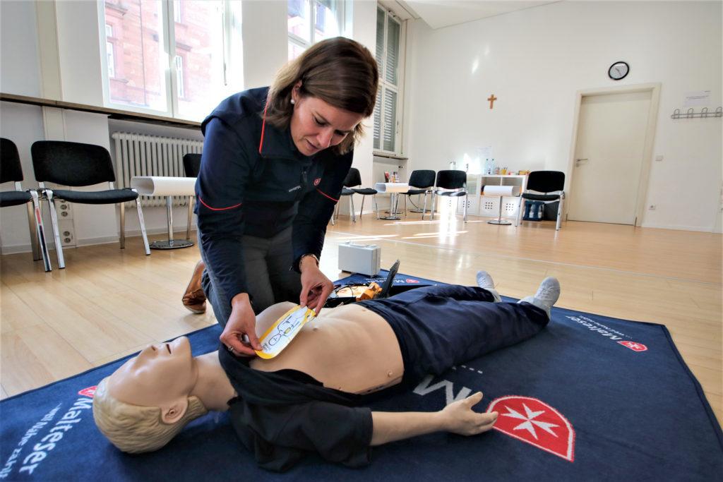 Erste Hilfe Kurs In Karlsruhe Jeder Kann Ein Retter Sein Meinka