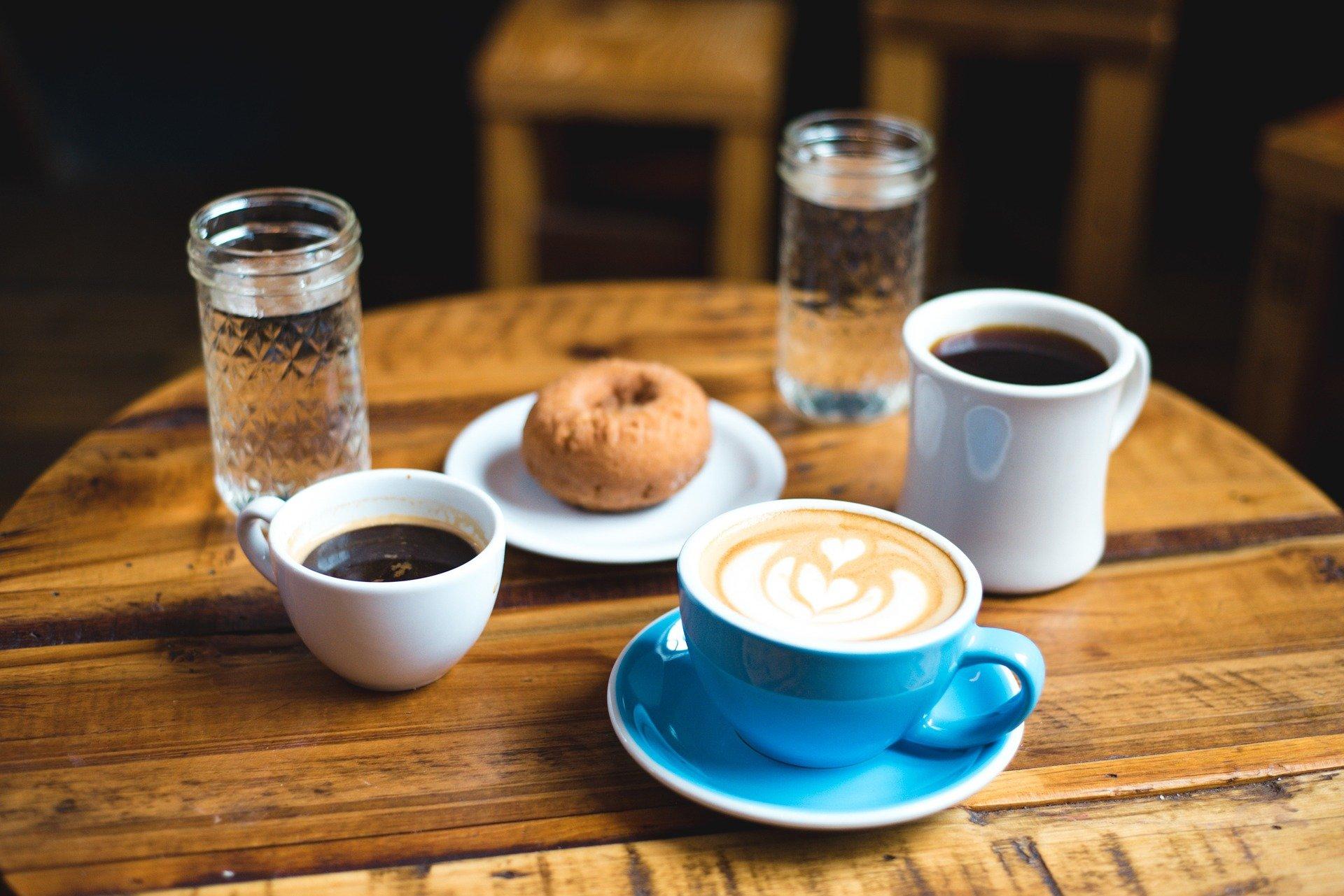 Cafés in der Karlsruher Weststadt – Auszeit mit Kaffee & Kuchen